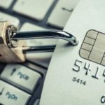 Банк заблокировал счет физлица и требует объяснить, откуда деньги